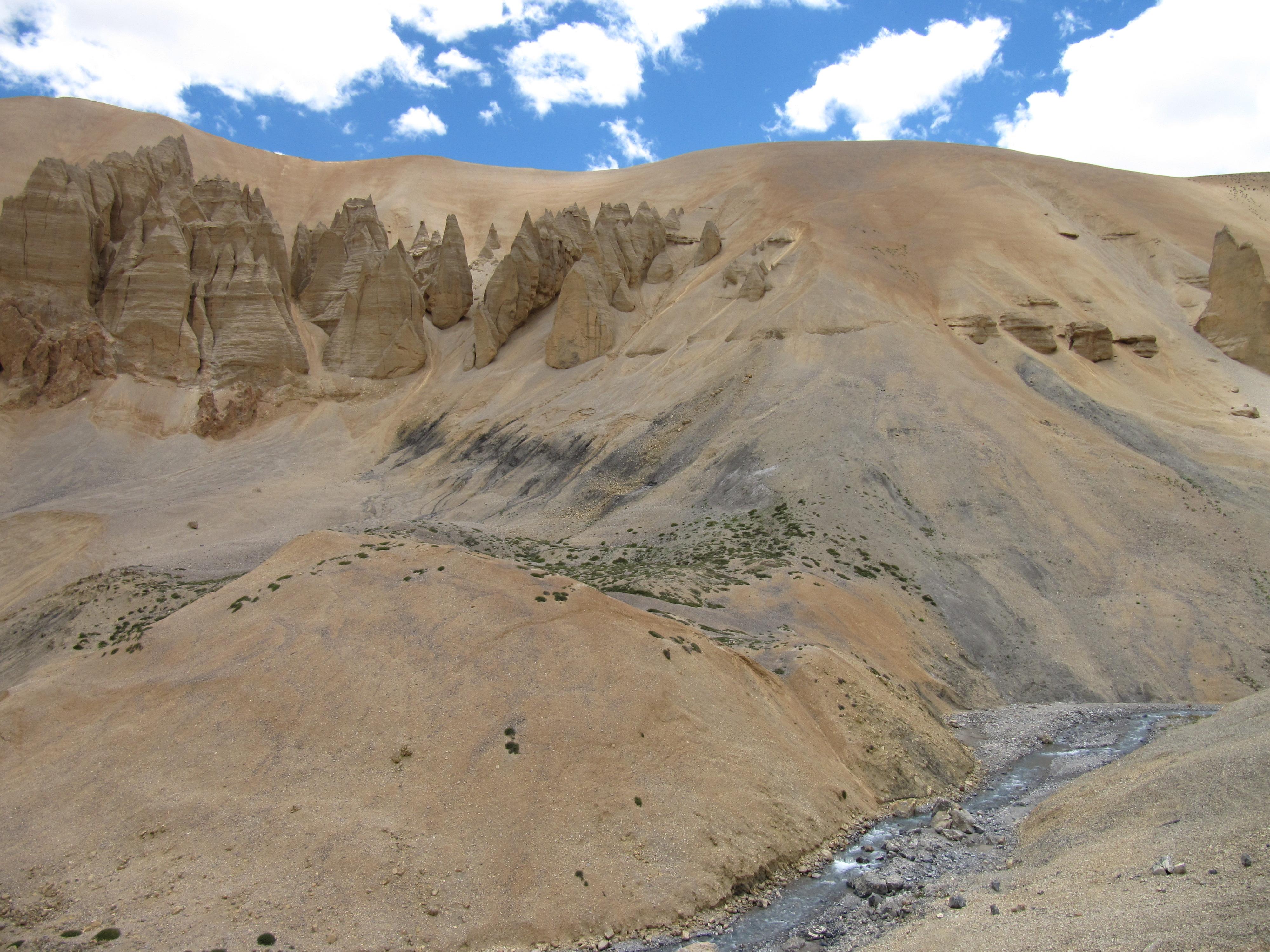 Paysage majestueux, route Manali-Leh, Inde, 4 juillet 2013