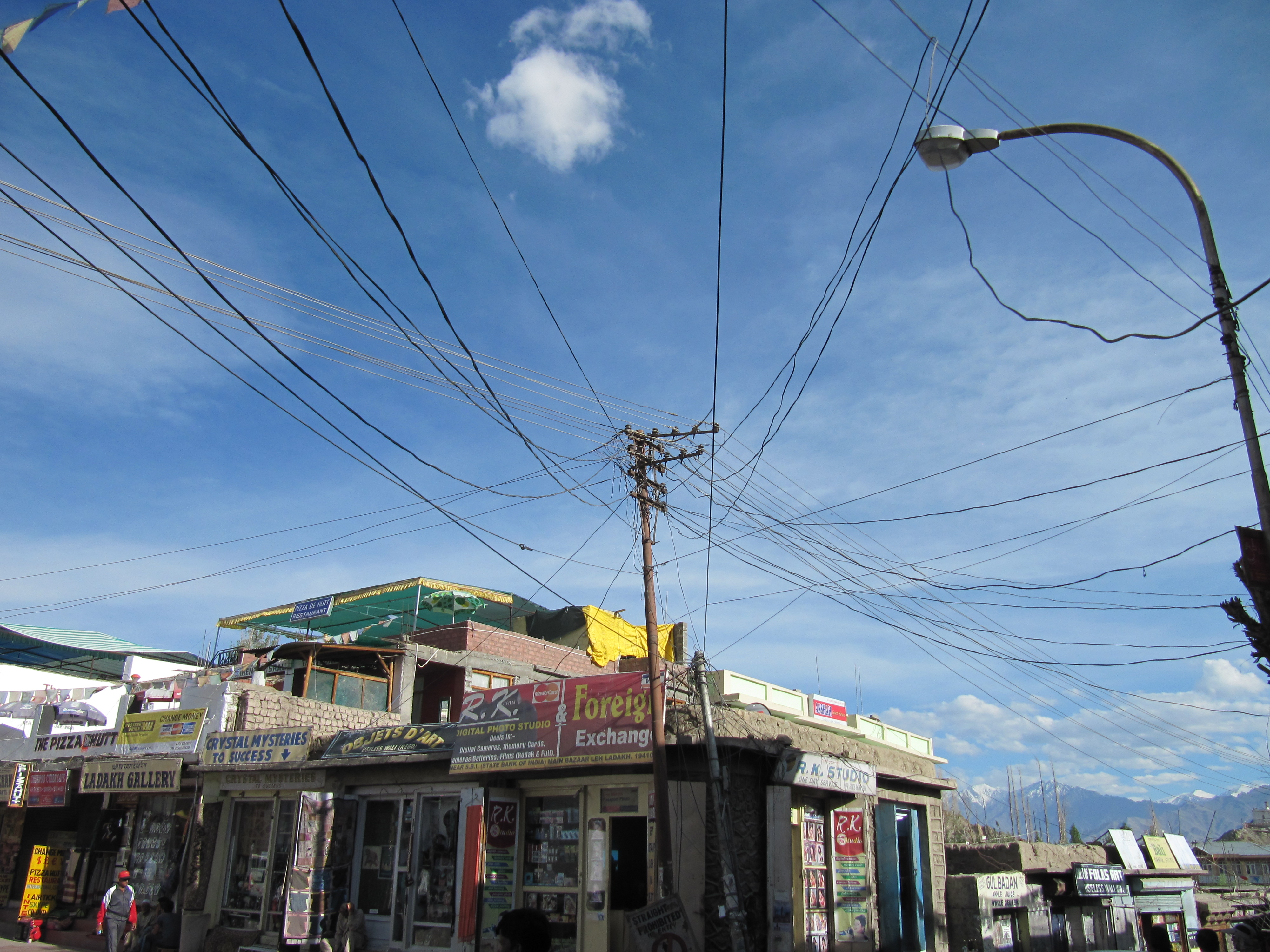 Réseau électrique, Leh, Inde, 5 juillet 2013